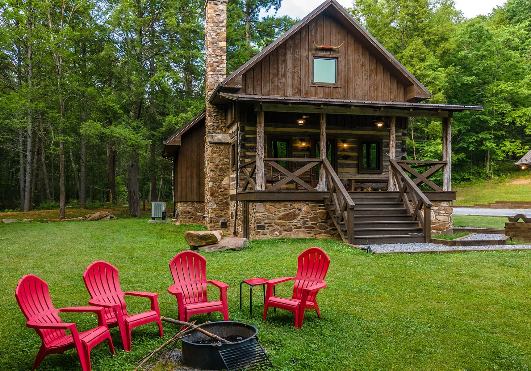Place to Stay in WV - Luxurious Cabin Exterior view with Firepit