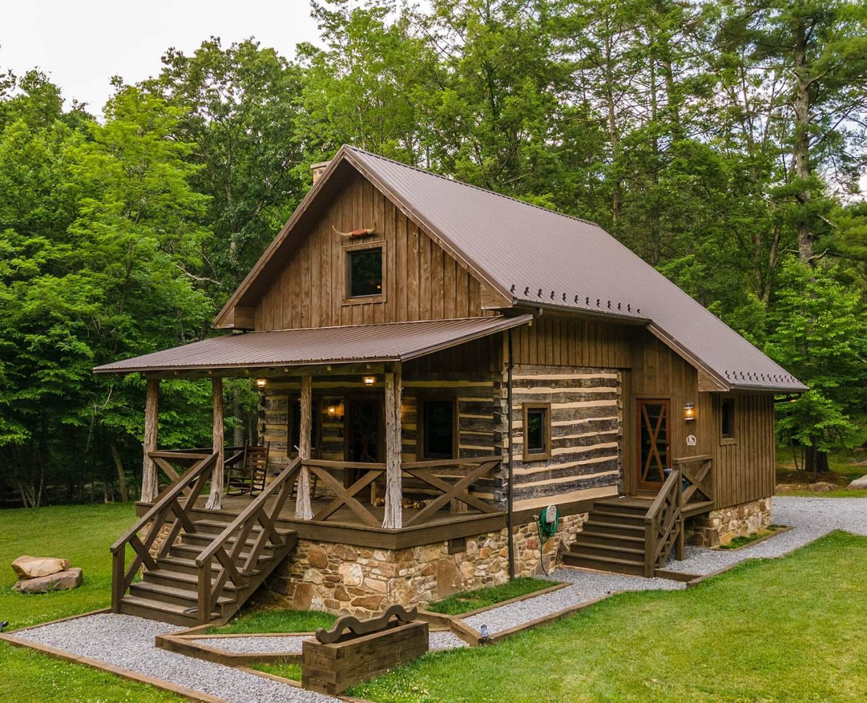 Cowboy Cabin exterior view