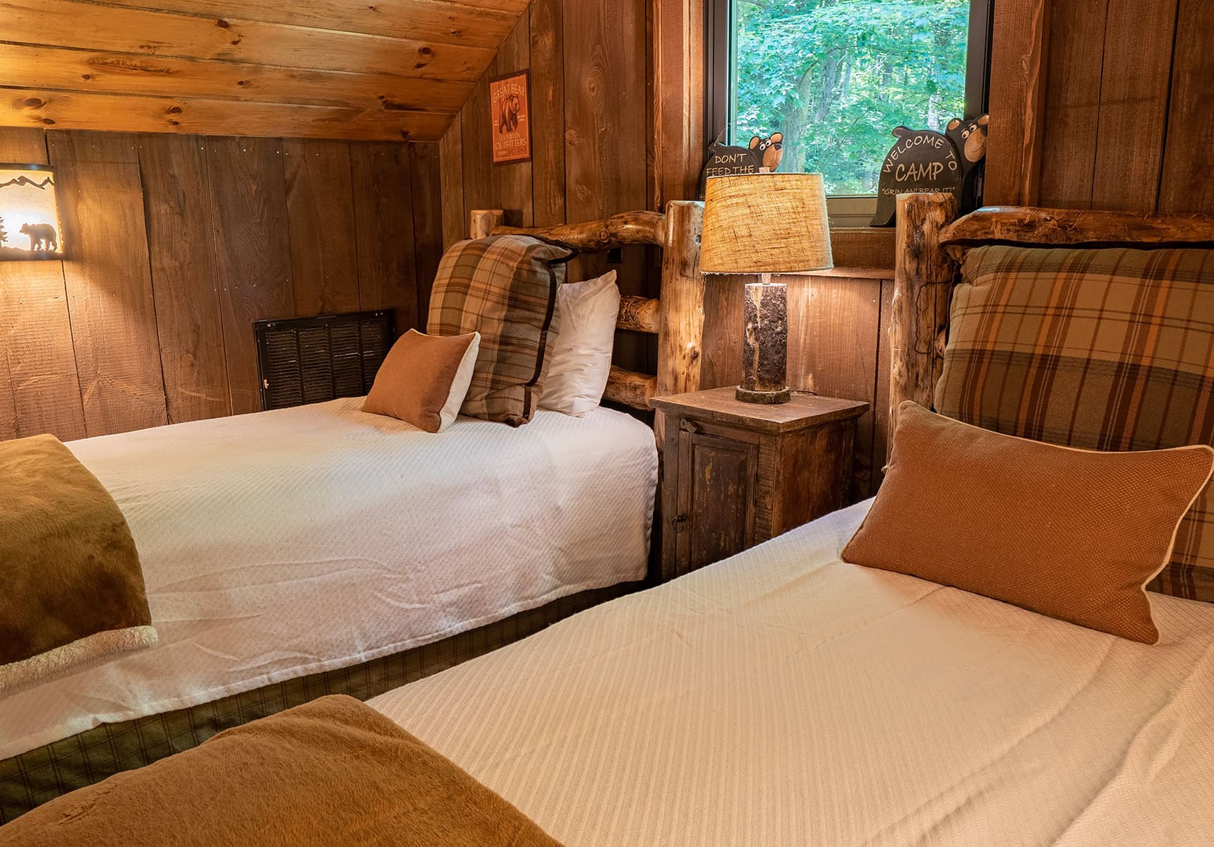 Wilderness Lodge loft beds - Cabin Rental in WV