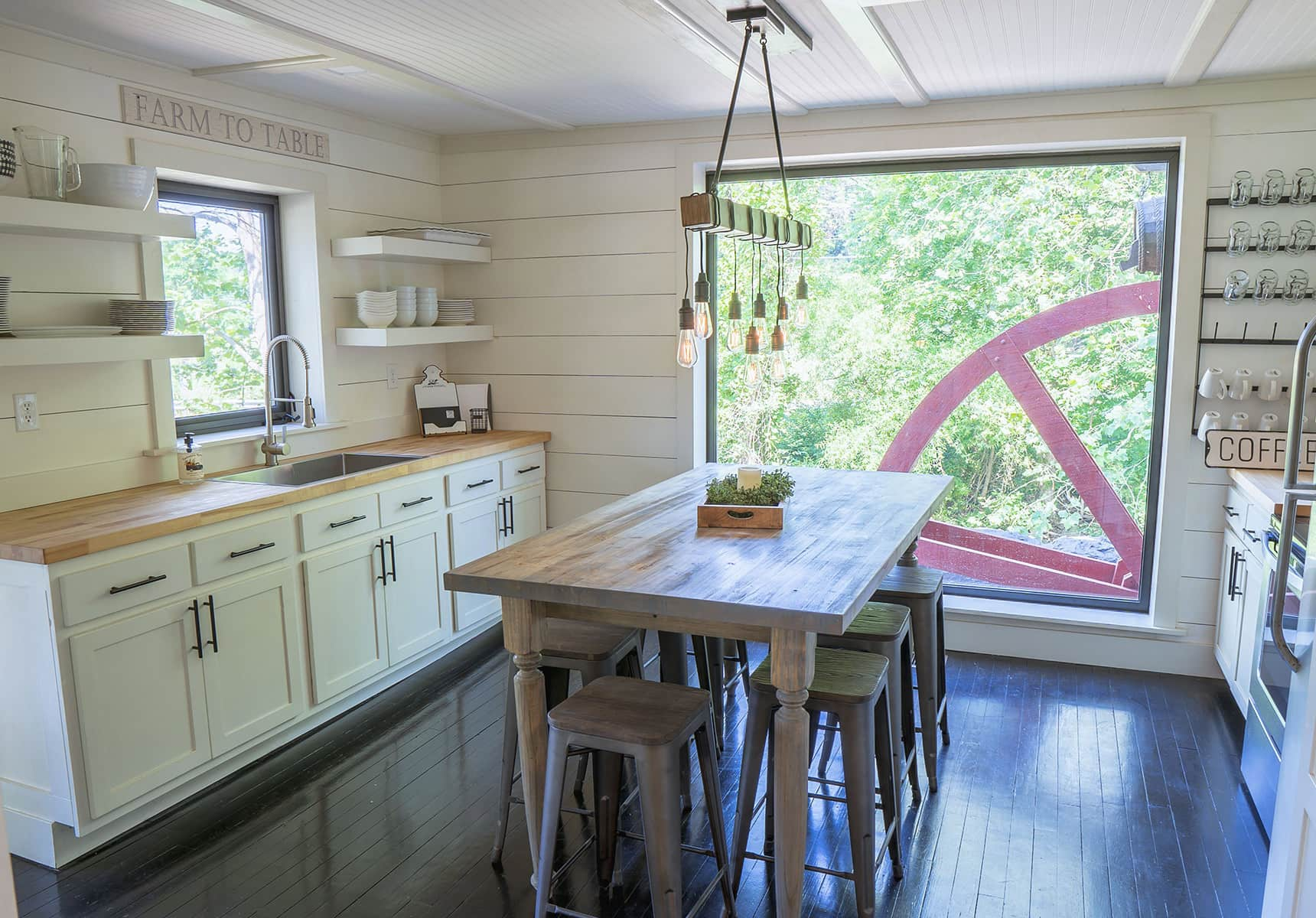 Mill House kitchen Luxury Cabin in WV