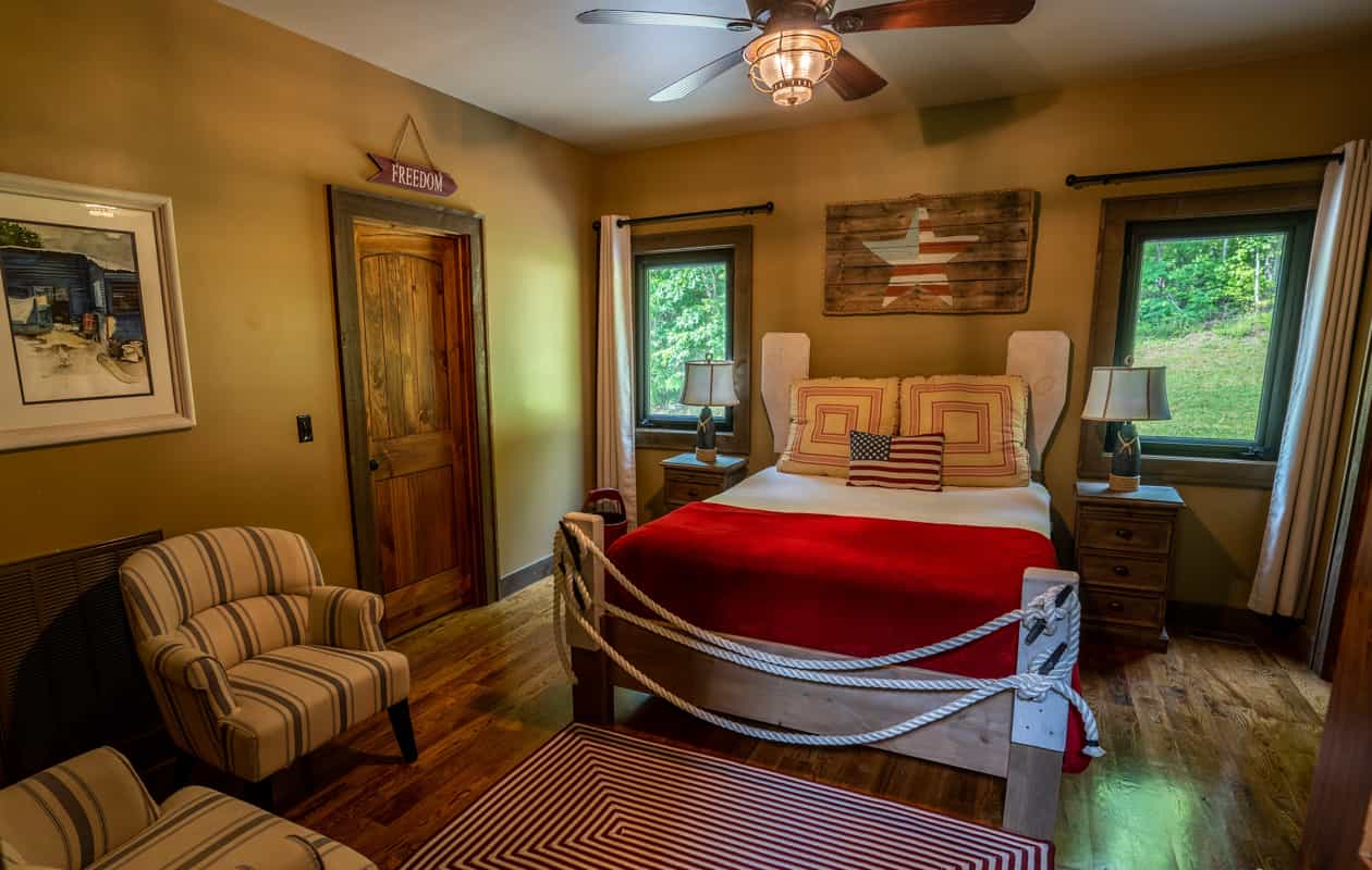 Bed in the Boathouse cabin room